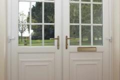 Double-entrance-doors